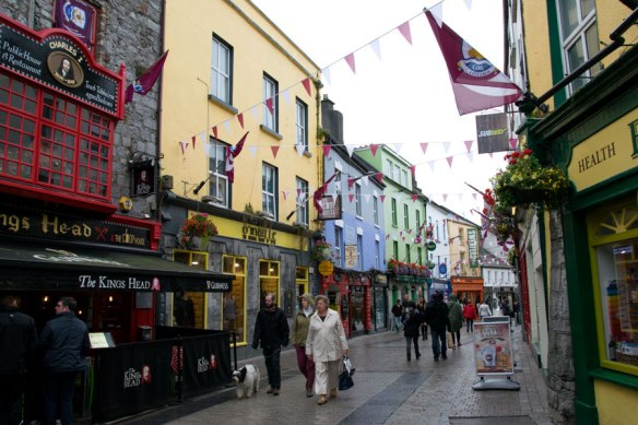 Galway_streets_01