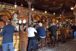 Ireland_CrownBar_inside