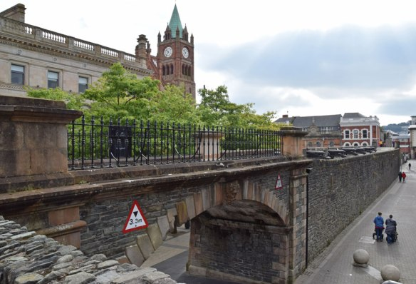 Ireland_Derry_wall