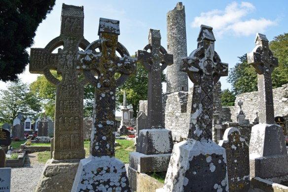Ireland_Monast_Crosses
